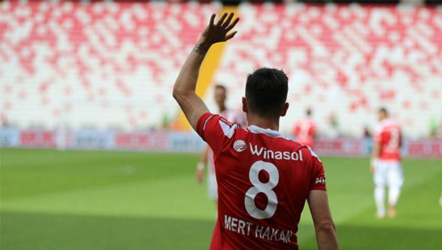Galatasaray'a gidecek mi? Mert Hakan Yandaş'dan transfer açıklaması!