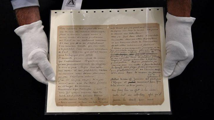 Genelev ziyaretlerinin anlatıldığı mektup 210 bin euroya satıldı