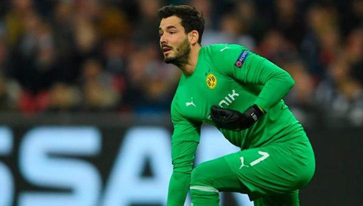 Borussia Dortmund'da kaleci Roman Bürki'nin sözleşmesi uzatıldı