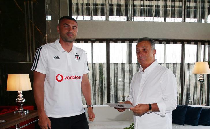Burak Yılmaz, Beşiktaş'ın kongre üyesi oldu