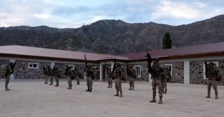 MSB duyurdu! Komandolar operasyon için sınır ötesine geçti