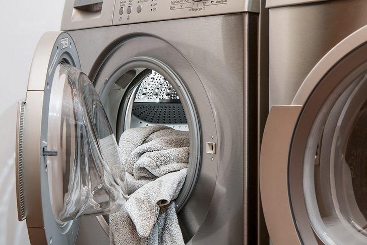 Çamaşır makinesine aspirin atarsanız bakın neler oluyor... Sonuçları şaşırtıcı!