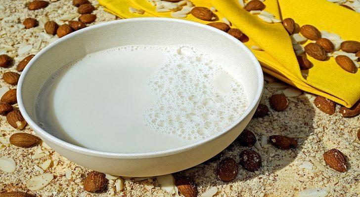 Badem sütü: Faydaları nelerdir, nasıl tüketilir?