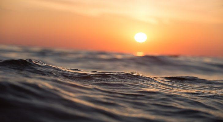 Rüyada deniz görmek: Denize dalmak, denize girmek, denizde yürümek