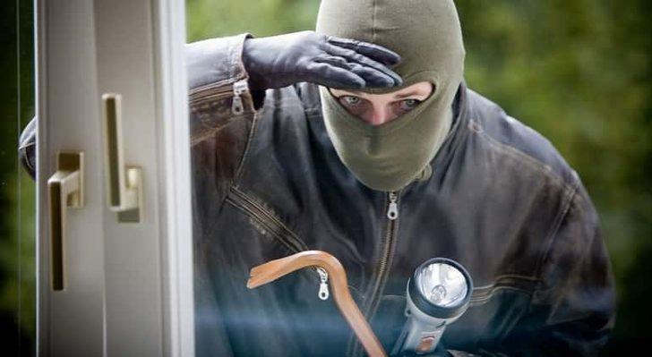 Rüyada Hırsız Görmek: Hırsızlık Yapmak, Çalmak, Çaldırmak