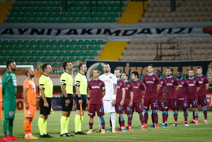 Alanyaspor-Trabzonspor maçında kırmızı kartlar havada uçuştu!
