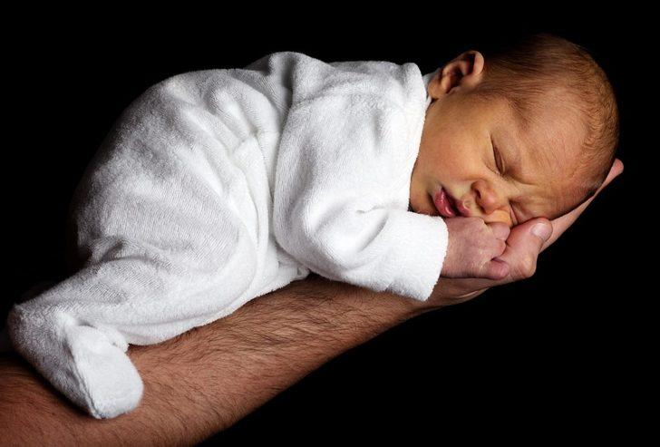 Yeni doğan bebek bakımı ile ilgili bilmeniz gereken 6 şey