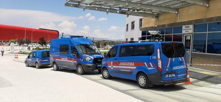 Çorum'da tarım işçilerini taşıyan minibüse ateş açıldı: 3 yaralı