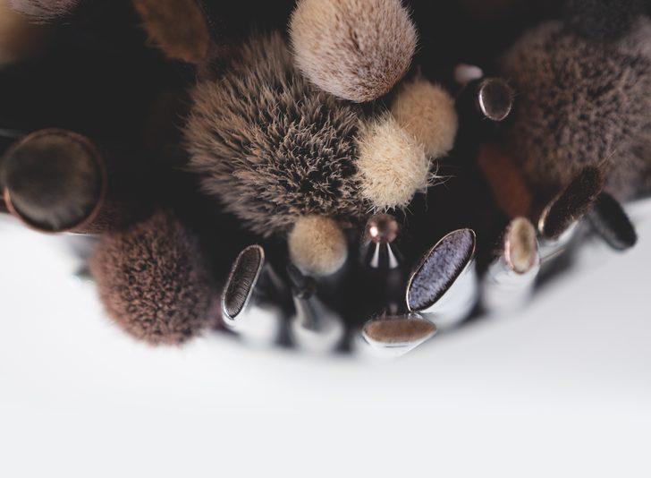 Makyaj fırçalarınız ile ilgili hayat kurtaran bilgiler