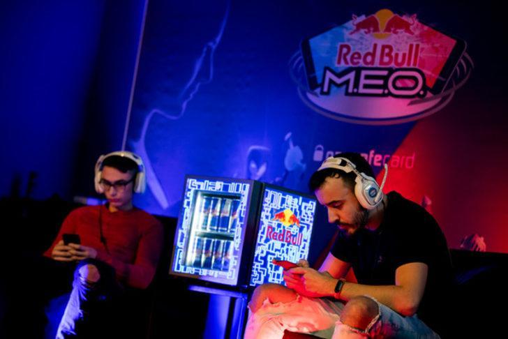 Red Bull M.E.O. oyun coşkusunu İstanbul Boğazı'nın ortasına taşıyor