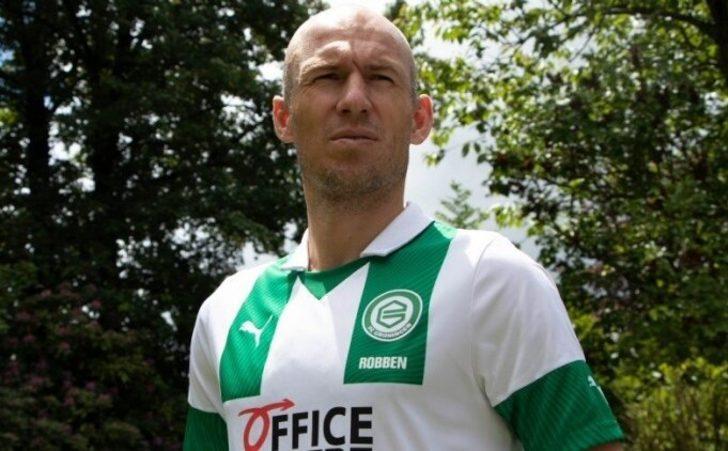 Arjen Robben futbola geri döndü