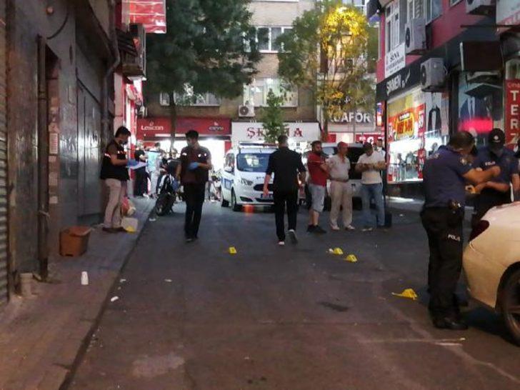 Kağıthane'de silahlı saldırı! Biri çocuk, 3 yaralı