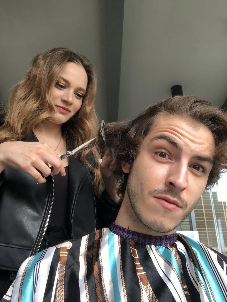 Miray Daner rol arkadaşı Boran Kuzum'un saçlarını tıraş etti
