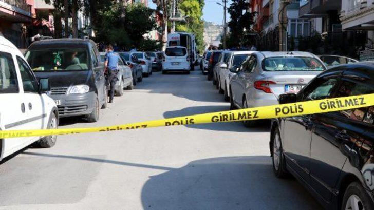 Burdur'da üç çocuk annesi başından vurulmuş halde bulundu