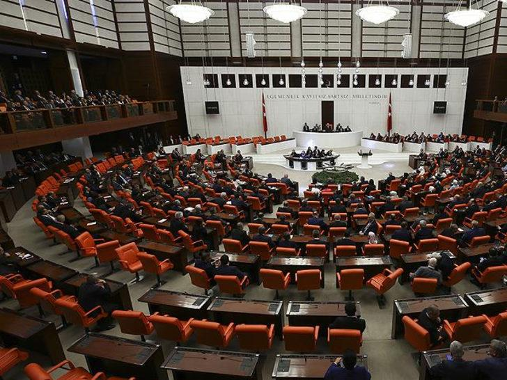 Son dakika! AK Parti'de görev değişikliği: Alpay Özalan ve Ali Şahin idare amiri oldu