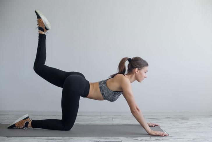 Bu iç bacak hareketleriyle kusursuz görünüm mümkün! Mankenlerin sırrı burada...