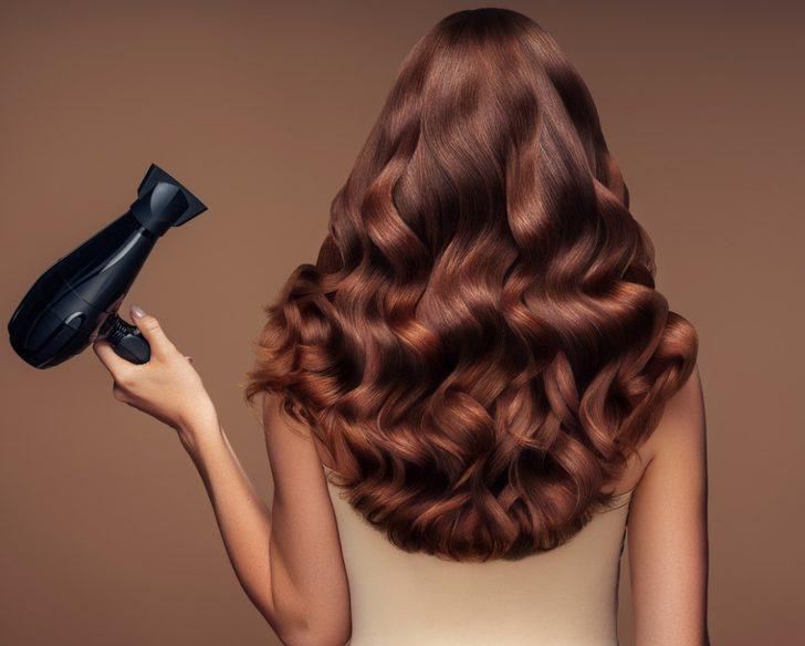 Hollywood yıldızları da kullanıyor! İşte en havalı ve şık salık saç modelleri...