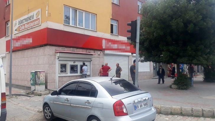 Çaldıran'da korona virüs nedeniyle banka şubesi kapatıldı