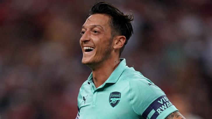 Başakşehir'den Mesut Özil sürprizi