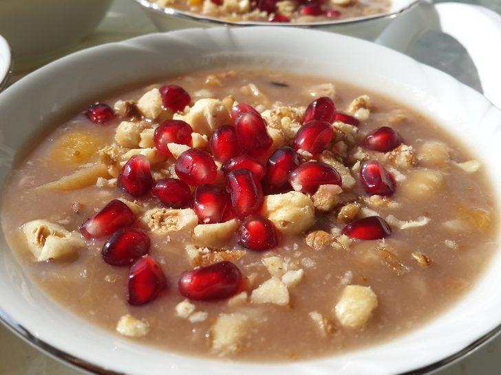 Hem lezzetli hem de bol vitaminli: Aşure yapımı