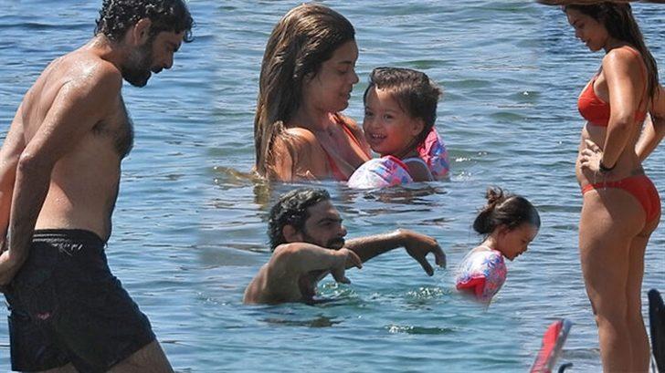 Mehmet Ali Nuroğlu ve eşi halk plajını tercih etti