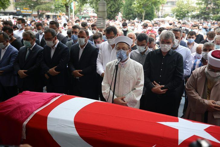 Havai fişek fabrikasındaki patlamada hayatını kaybeden 2 kişinin cenazeleri defnedildi