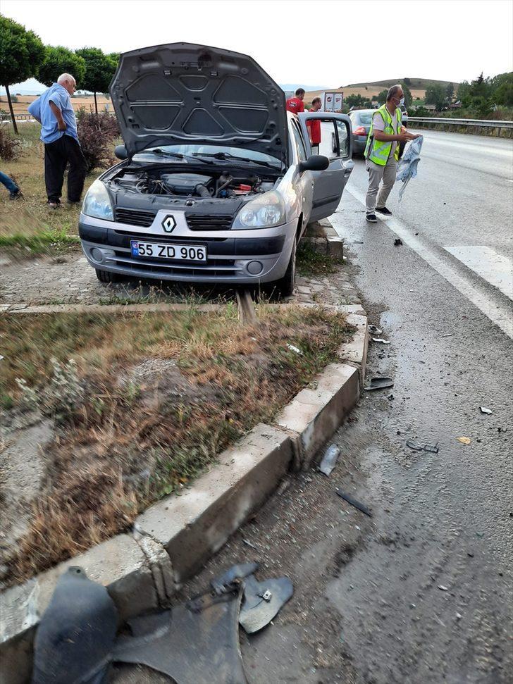 Samsun'da iki otomobil çarpıştı: 6 yaralı