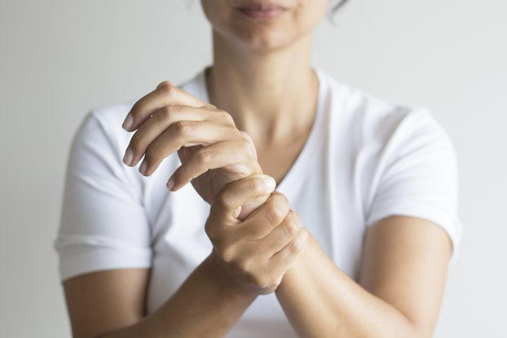 Eklem İltihabı: Nedenleri, belirtileri, tedavisi