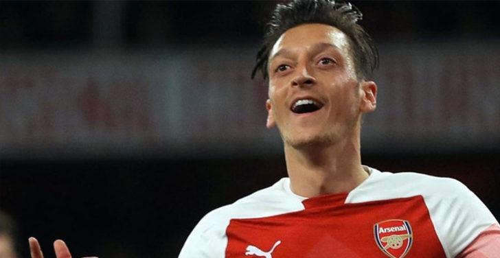 Mesut Özil'in Başakşehir'e transfer olacağı iddia edildi