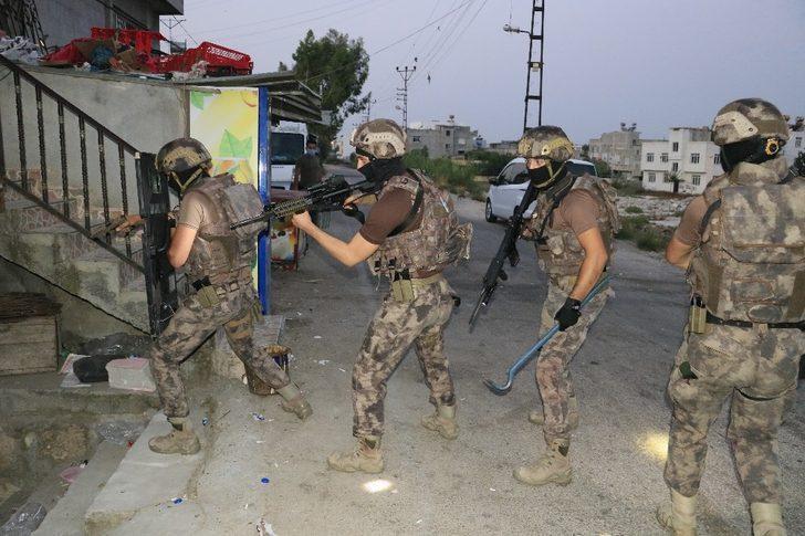 Adana'da terör örgütü PKK/KCK'ya operasyon! Çok sayıda gözaltı