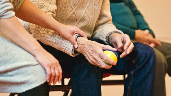 Aile, Çalışma ve Sosyal Hizmetler Bakanlığı kronik hastalara ayda 1.451 TL veriyor!