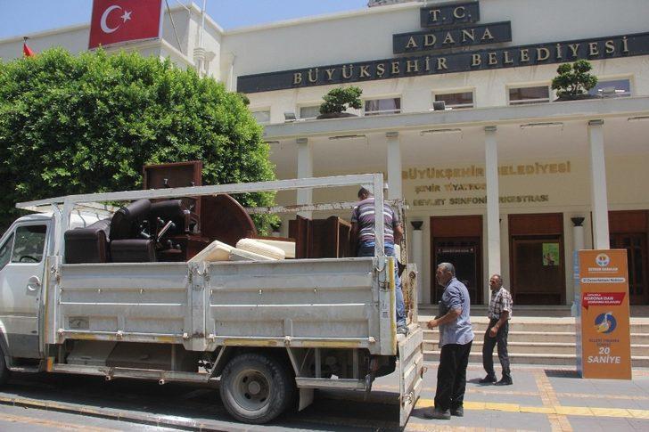Adana Büyükşehir Belediyesi'nde haciz şoku