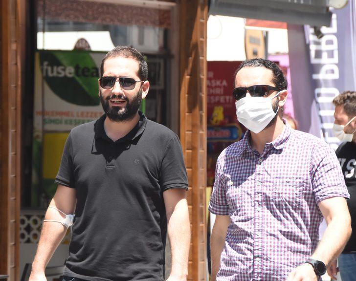 Maske takma zorunluluğu olan İzmir'de, takmama bahaneleri 'pes' dedirtti