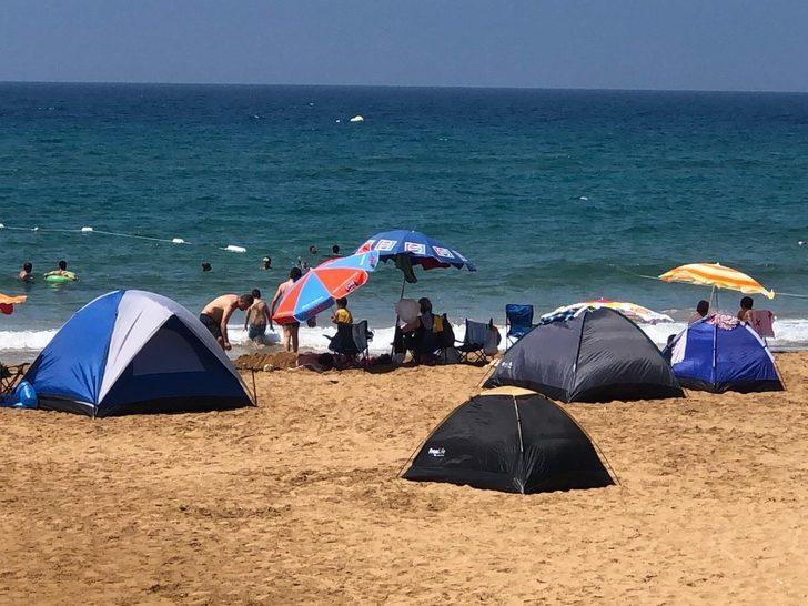 Tatilciler çadırı tercih etti, plajlar çadır kente döndü