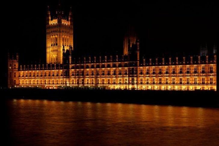 İngiltere'den kritik karar! Londra'dan taşınıyor