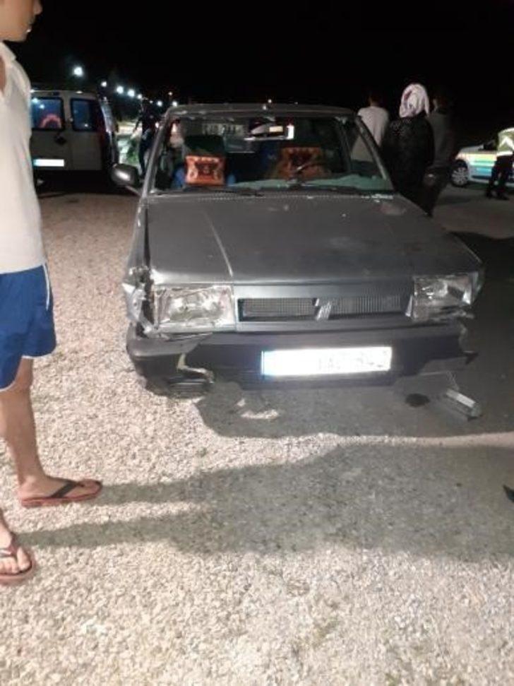 Türkeli'de otomobil ile iki motosiklet çarpıştı: 2 yaralı