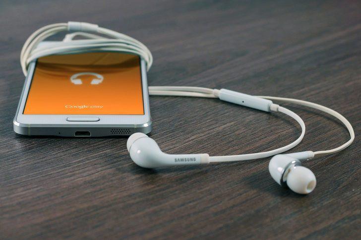 Milyonlarca sahte akıllı telefon ve aksesuarı piyasaya sürüldü! Sahte olanları anlamak için...