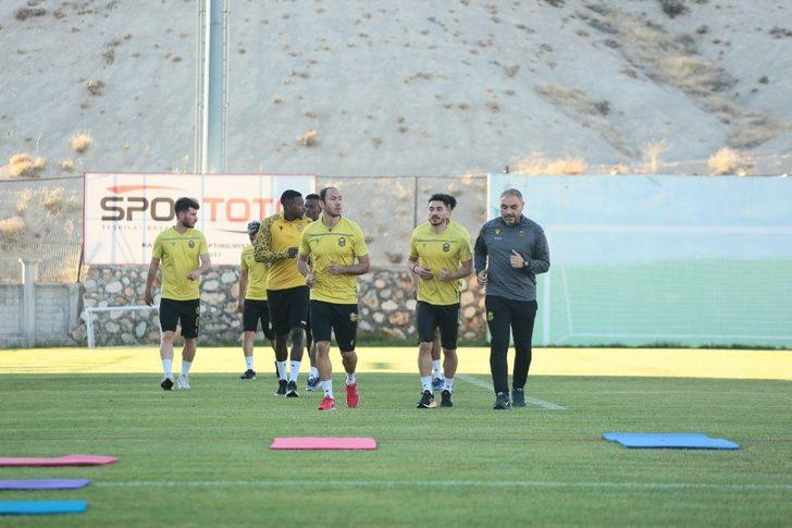 Yeni Malatyaspor'un hedefi  2 maçtan 4 puan