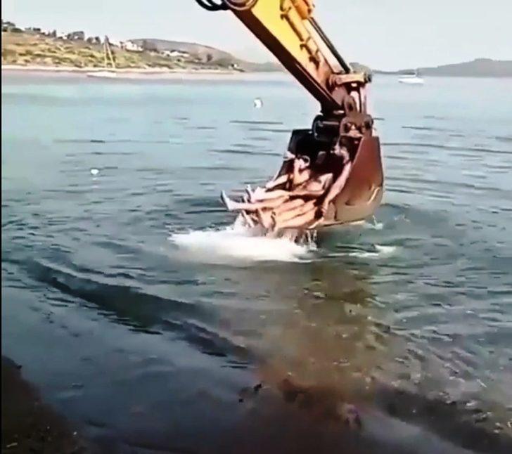 Bodrum'da kepçeli deniz keyfi! Sosyal medyada olay oldu