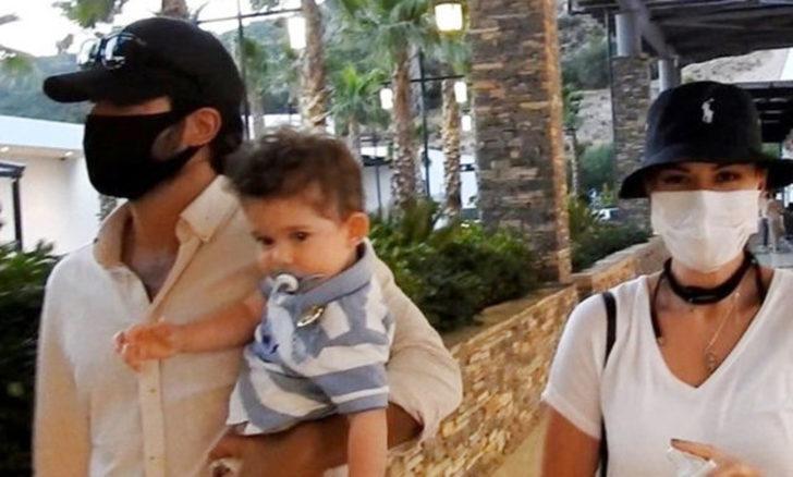 Burak Özçivit ve Fahriye Evcen maskesiz çıkmıyor!