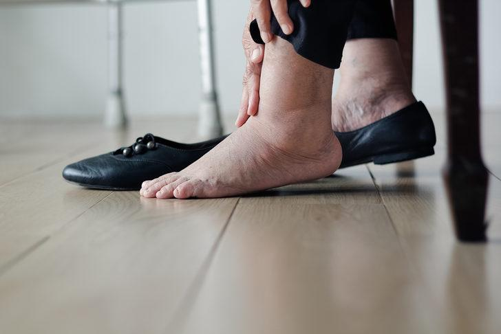 Diyabetlilere yeni ayakkabı uyarısı: 2 saatten fazla giymeyin