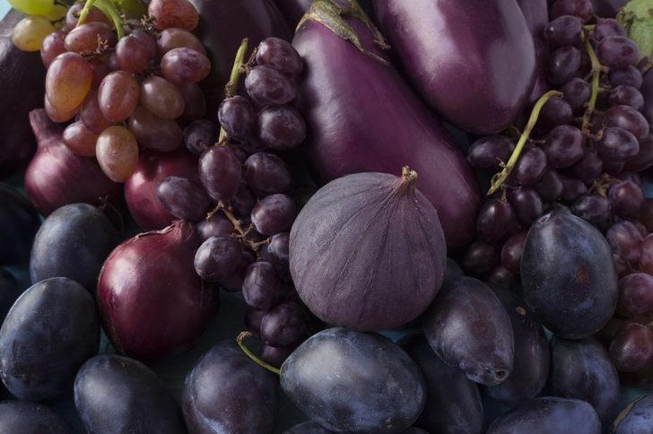 Mavi-mor renkli 5 yaz meyvesinin bilinmeyenleri! İştah kabartıyorlar ama...