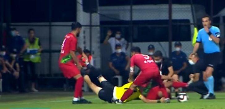 Karşıyakalı futbolcular Turgutlusporlu oyuncuyu sahanın dışına attılar