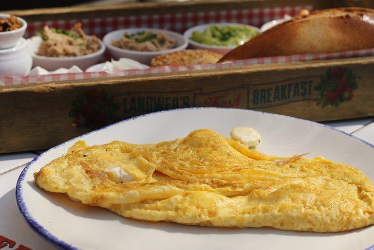 En kolay omlet tarifi