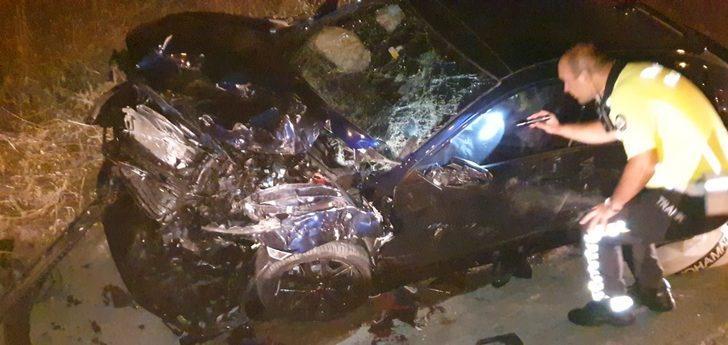 Bursa'da korkunç kaza! Aracın camından fırladılar
