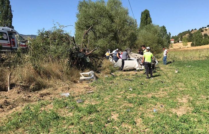Uşak'ta otomobil devrildi: 1 ölü, 1 yaralı