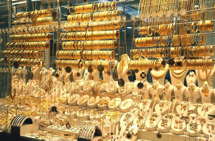 Altına yatırım yapılır mı? Uzmanından Ağustos'ta gram altın düşecek uyarısı! Altına yatırım için doğru zaman mı? Ağustos'ta altın düşer mi?