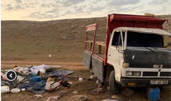 Van'da işçileri taşıyan kamyonetin devrildi: 1 ölü, 17 yaralı
