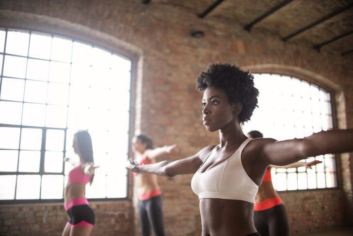 Bu egzersizlerle sırt ve kol bölgesinde kusursuz görünüme kavuşabilirsiniz...