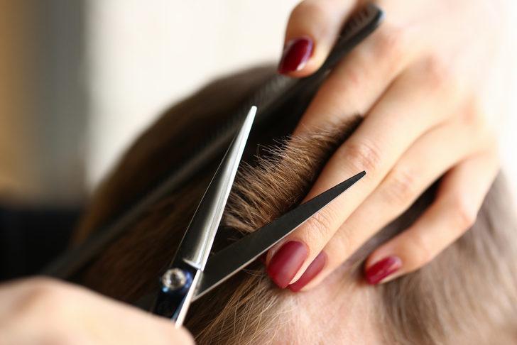 Saçını katlı kestirenler dikkat! Daha şık görünüm için şekillendirme önerileri...